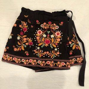 Zara embroidered skort